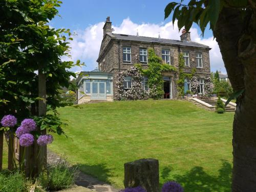 Sladen House