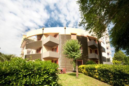 Aris Residence
