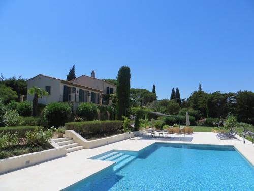 Les 10 meilleures villas saint tropez france for Club piscine cabanon