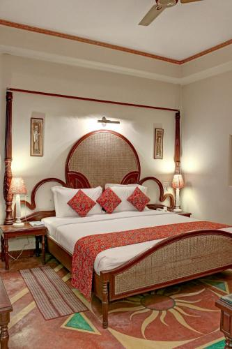 Palace On Ganges - Heritage Hotel
