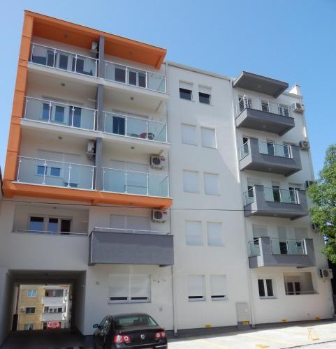 Apartments Center KG