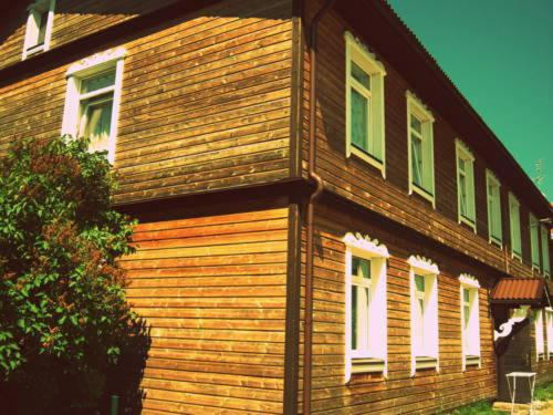 Isabela Apartments