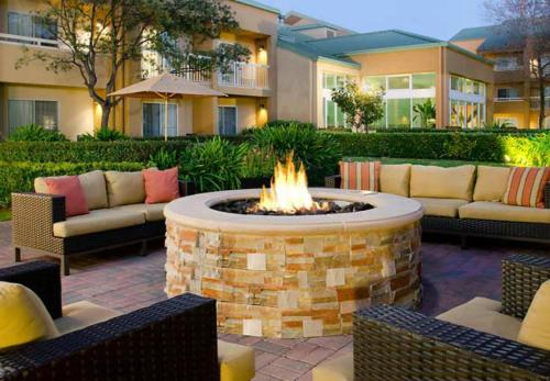 Courtyard by Marriott San Mateo Foster City