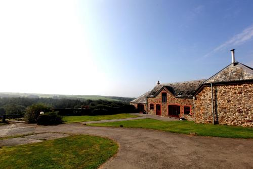 Lower Thurlibeer Holiday Home