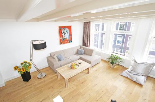 120m2 Jordaan 2 bedroom 2 bathroom apartment *Non Smoking*