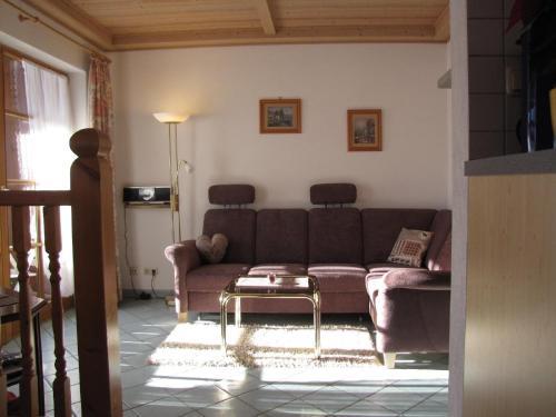 Ein Sitzbereich in der Unterkunft Ferienhaus Kössel