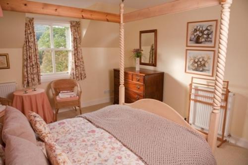 Cromald Cottages - East & West