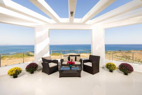 Olga Luxury Beach Front Villas