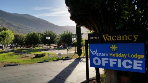 Western Holiday Lodge