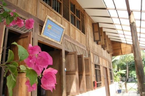 Experience Island Heritage Home