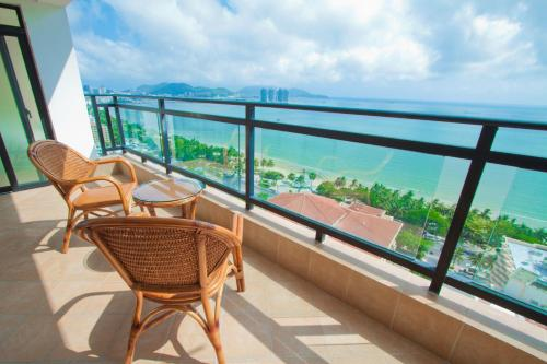 Sanya Blue Stone Sea-view Apartment
