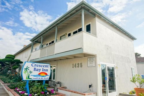 Crescent Bay Inn