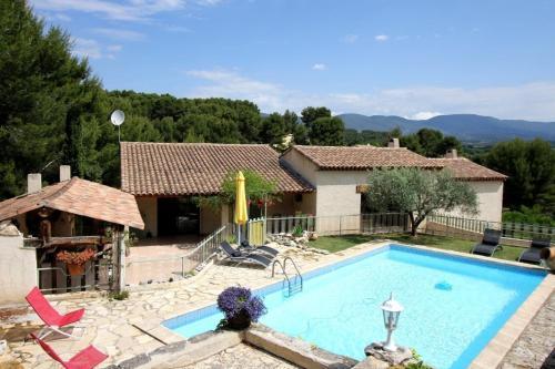 Villa in Cadenet