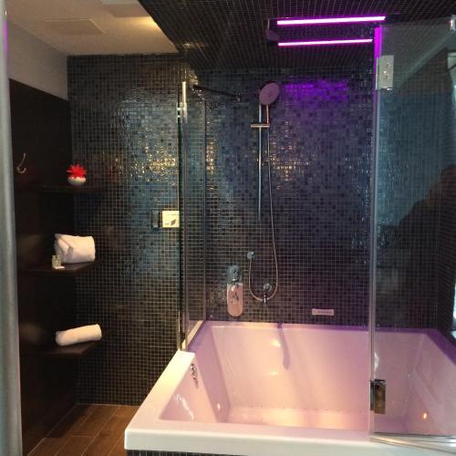 Olux Hotel-Motel-Suites
