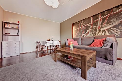 A seating area at Apartament Wojskowa