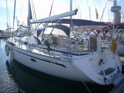 Boat in Arona (14 metres)