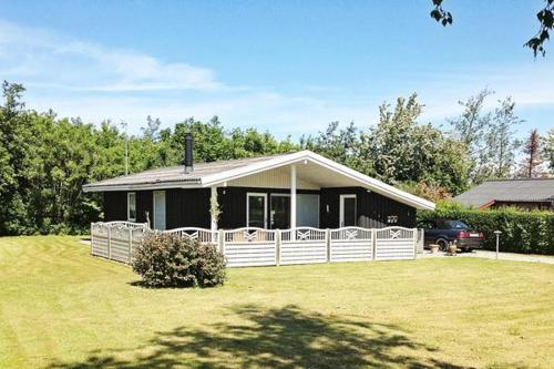Three-Bedroom Holiday home in Sydals 4