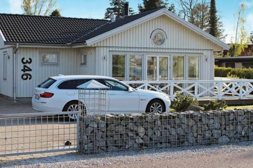 Three-Bedroom Holiday home in Strøby 6