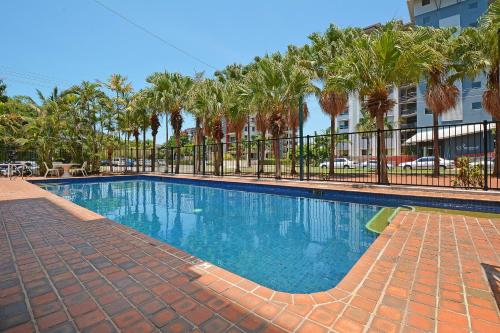 The swimming pool at or near Peninsular Apartments