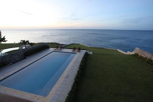 Villa Atlantic-Home