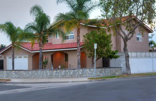 Skywoodcali Villa