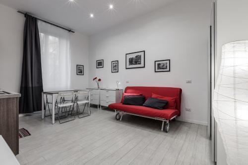 Eustachi Apartment