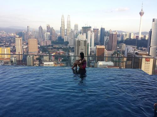 Apartment best kl city view at regalia reside kuala - Best hotel swimming pool in kuala lumpur ...