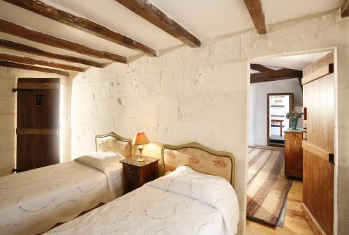 La Porte Rouge - The Red Door Inn