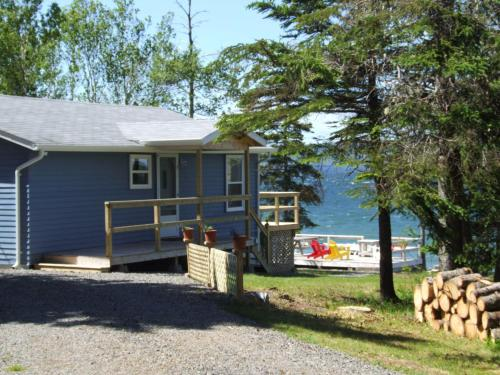 Waterfront Cottage Bras d'Or Lake
