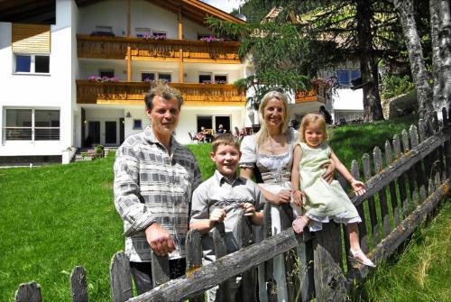 Famiglia che soggiorna presso Residence Remi