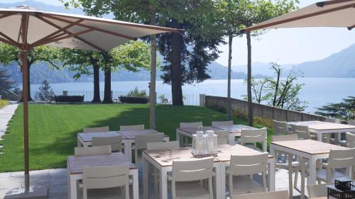 A restaurant or other place to eat at Villa Làrio Lake Como