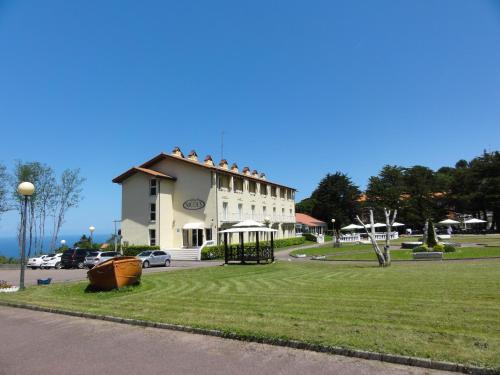Hotel Nicol's