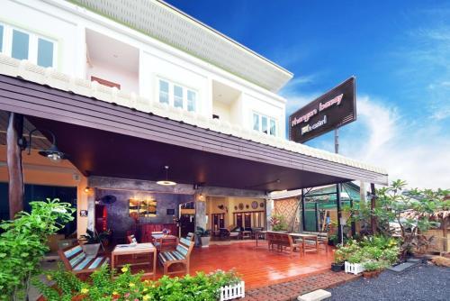 Phangan Barsay Hostel