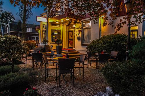 Alp de Veenen Hotel, Amstelveen – Updated 2018 Prices Tree House Designs Bl Html on