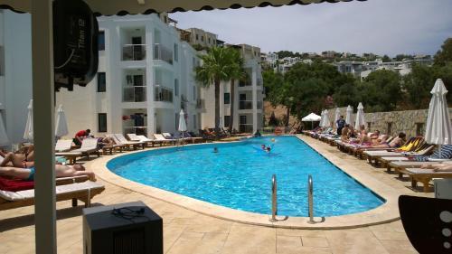 Costa Queen Suites