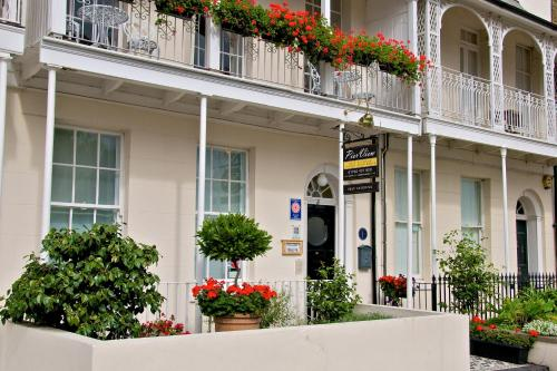 Pier View Self Catering Luxury Apartments