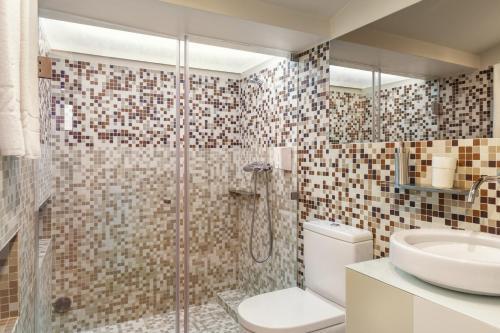 A bathroom at ExtendALL