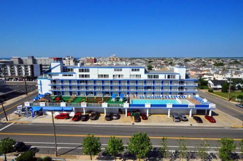 Admiral Resort Motel