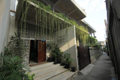 Pawon Cokelat Guesthouse