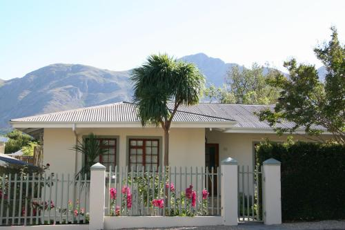 Cape Robin Cottage