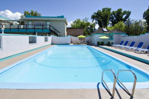 Tiki Shores Condominium Beach Resort