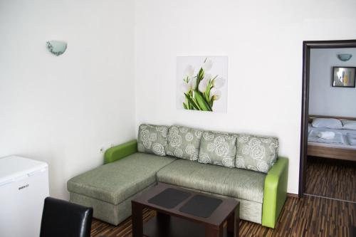 A seating area at Apartments Bjelanović