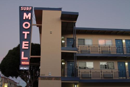 衝浪汽車旅館