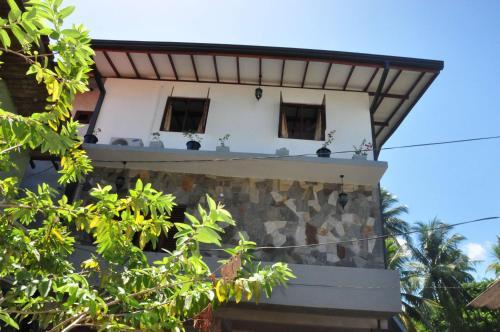 Asantha Guest House