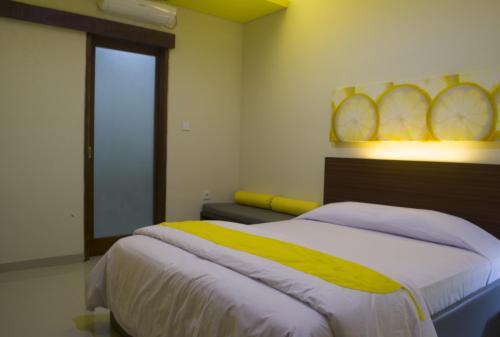 De Lemon Gatsu Hotel