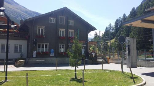 Alpine Budget Rooms by Täscherhof