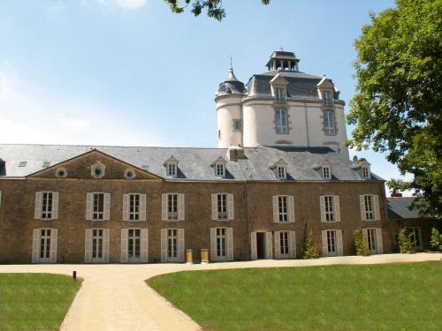 Chateau De Keraveon