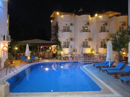Hotel Cavus Apart