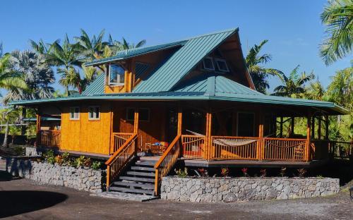 Hua, Polynesian Bamboo House