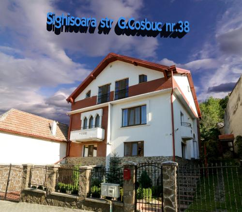 Cosbuc Residence